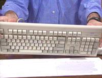 تنظيف أجزاء الكمبيوتر Keydebris